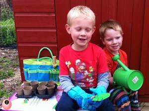 kids_ready_to_garden