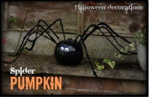 Spider Pumpkin HereComeTheGirls @pinkoddy Halloween Spider round-up