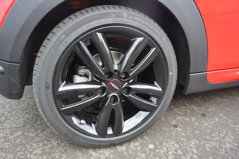MINI Cooper S Works 210 3-Door Hatch wheels