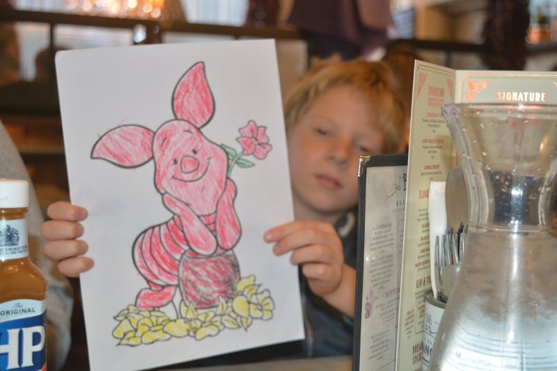 piglet colouring in