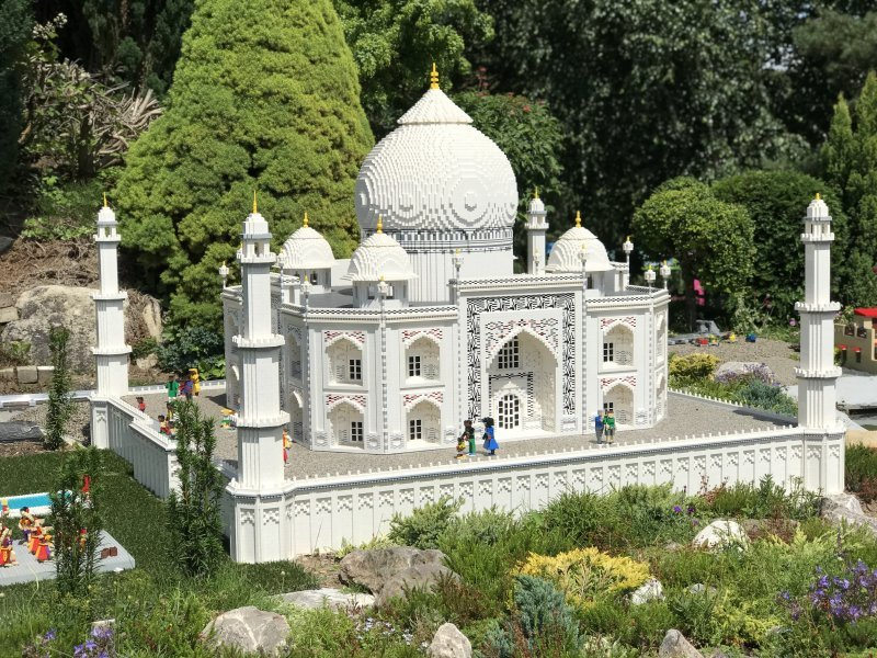 lego taj mahal in legoland windsor resort