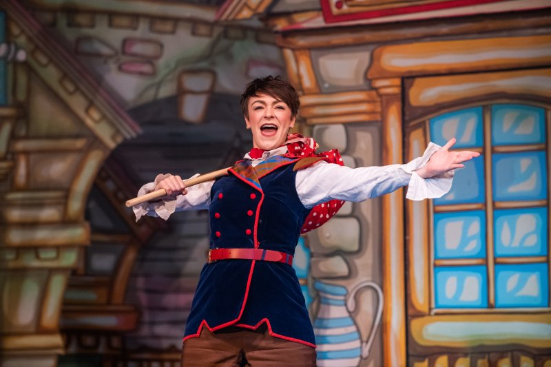 Dick Whittington Roses Theatre