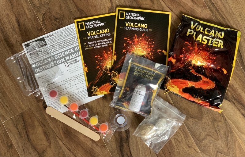 National Geographic Build Your own Volcano contents