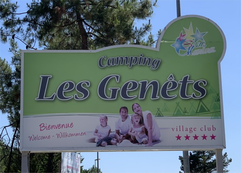 Welcome sign to Camping Les Genêts